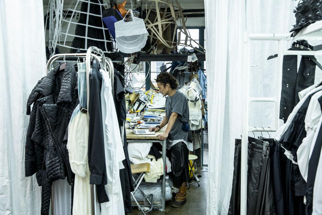 時裝設計師楊展。