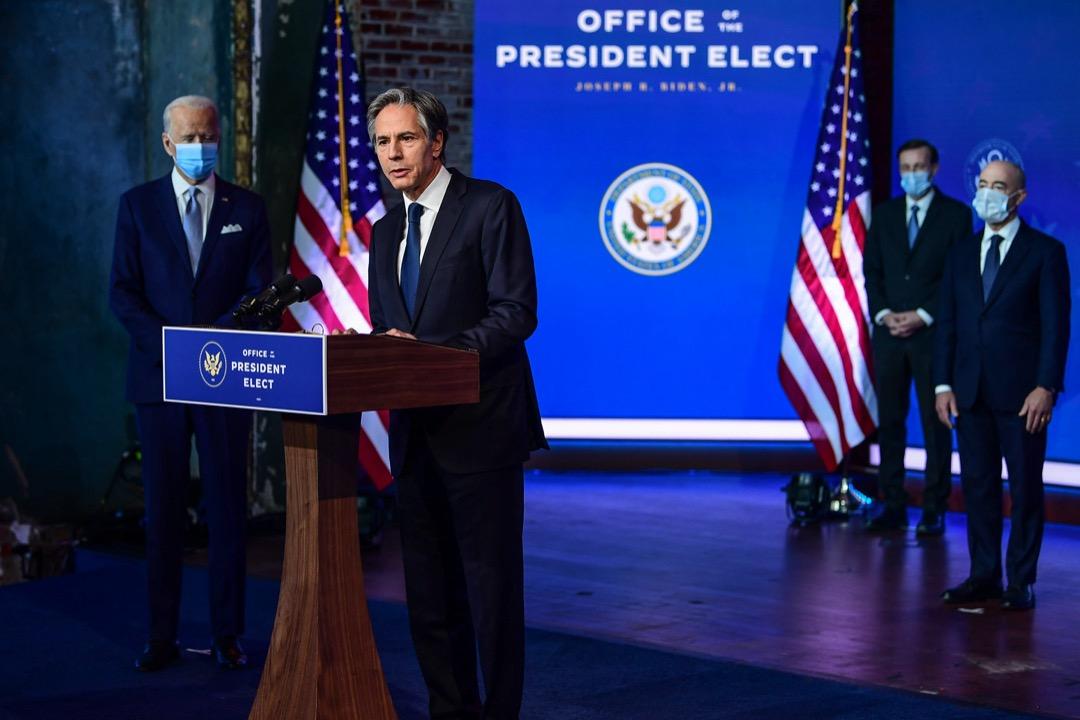 2020年11月24日,候任美國總統拜登公布內閣國防及外交成員名單,國務卿候命人布林肯(Anthony Blinken)發表講話。