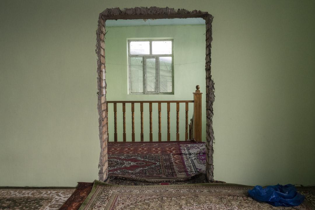 2020年1月3日,吉爾吉斯斯坦, 米爾方,清真寺內的空白處。