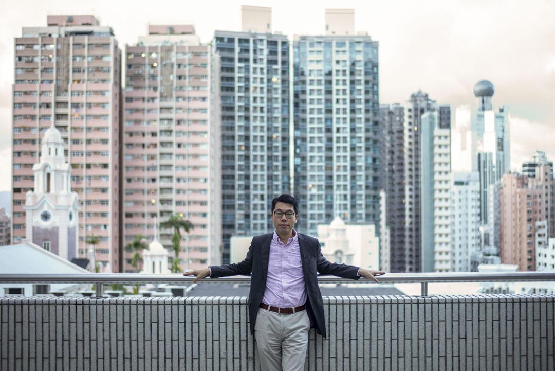 香港大學經濟與工商管理學院教授鄧希煒。