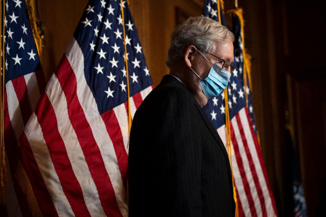 2020年12月15日,美國國會參議院多數派領袖麥康奈爾(Mitch McConnell)召開記者會。 攝:Caroline Brehman/Getty Images