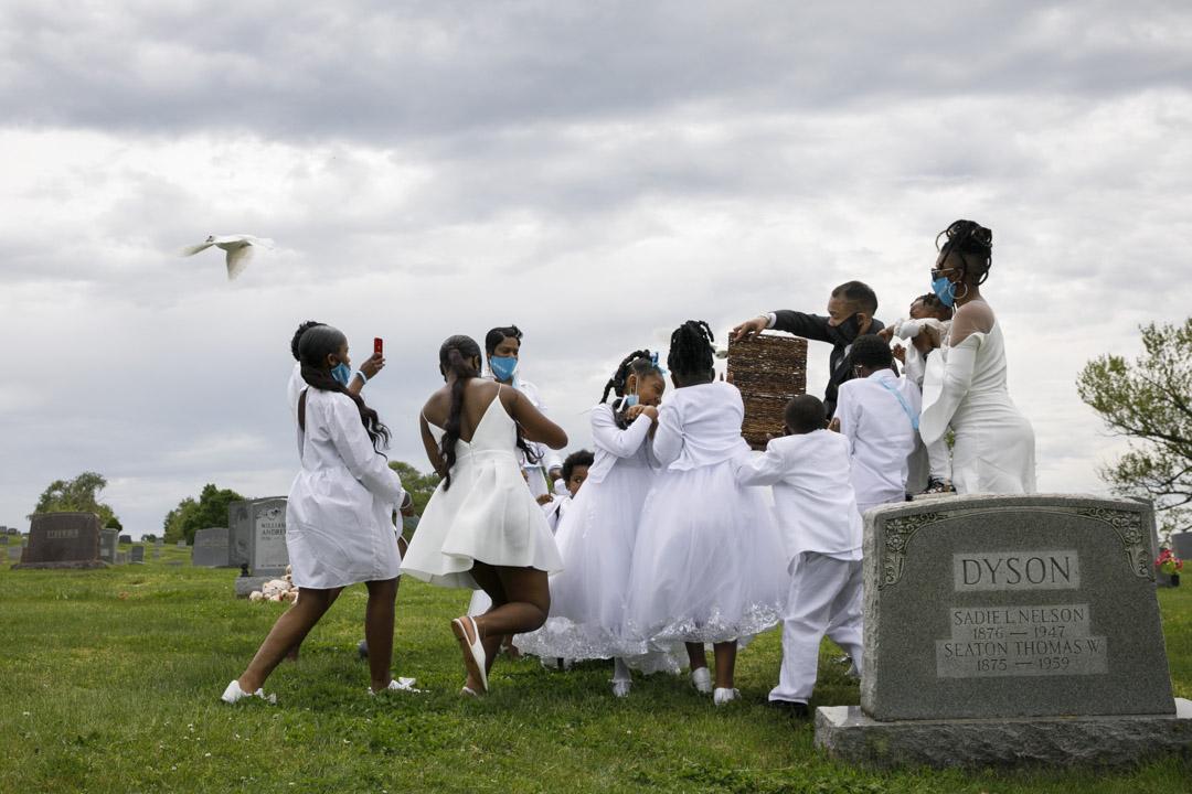 2020年5月3日,華盛頓林肯紀念公墓,一位死於新冠病毒的人士舉行葬禮。