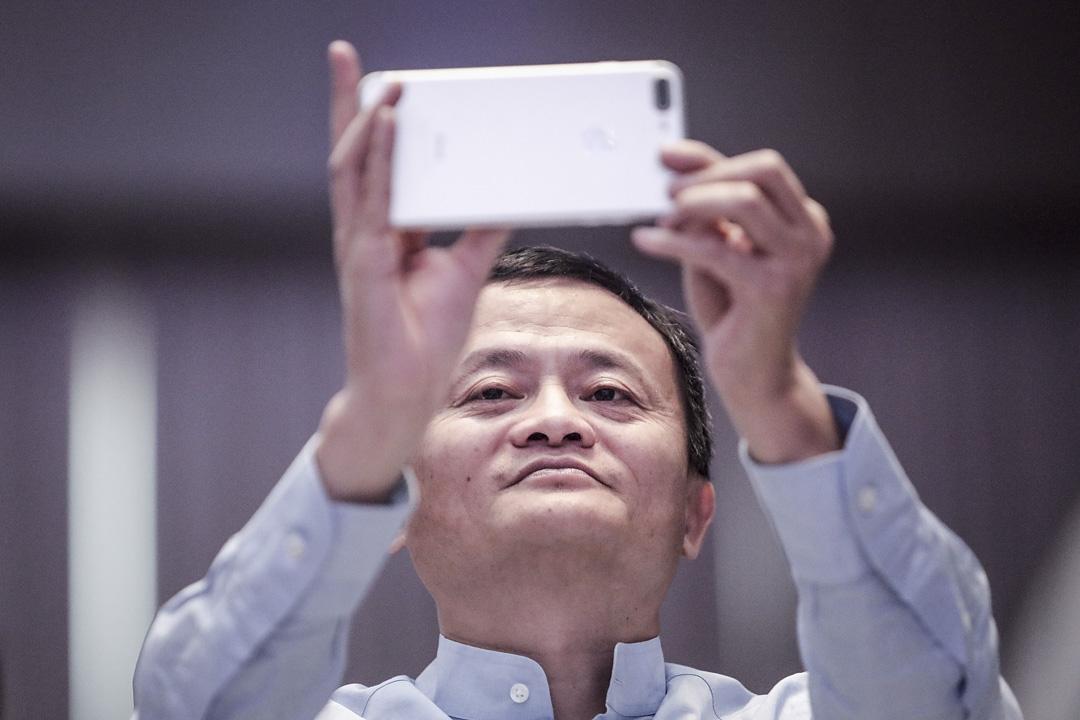2019年1月13日,阿里巴巴集團創始人馬雲出席中國海南省三亞市舉行的「馬雲農村教師和校長獎」頒獎禮。 攝:Wang HE/Getty Images