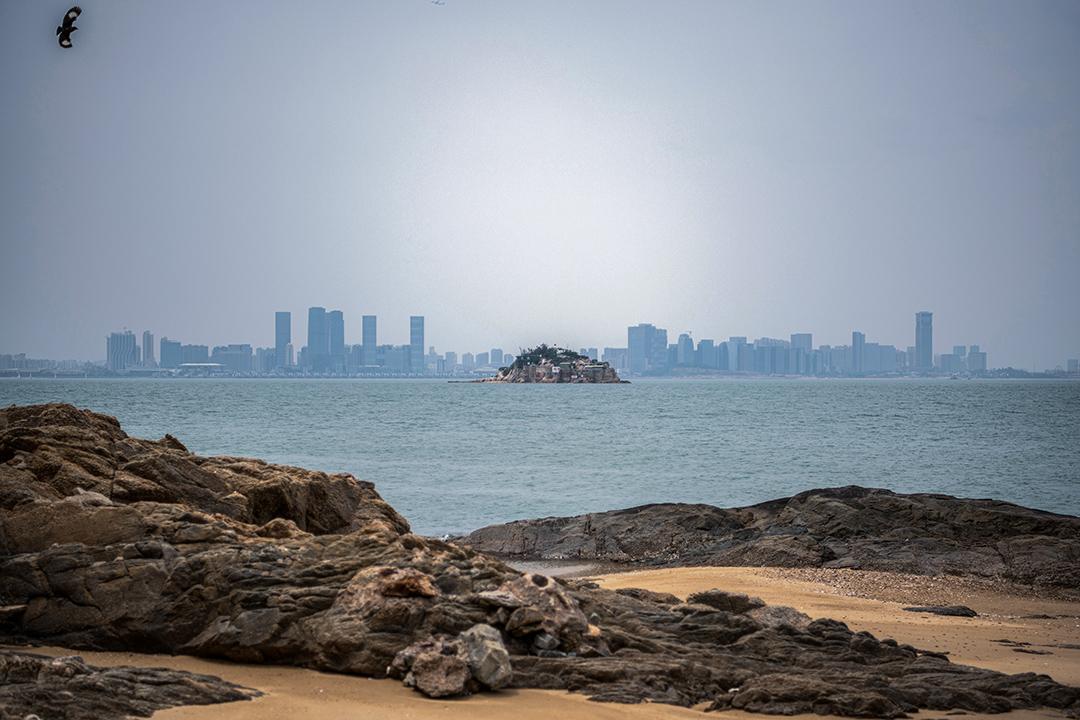 2018年4月20日,台灣金門獅嶼,對岸為中國廈門市。