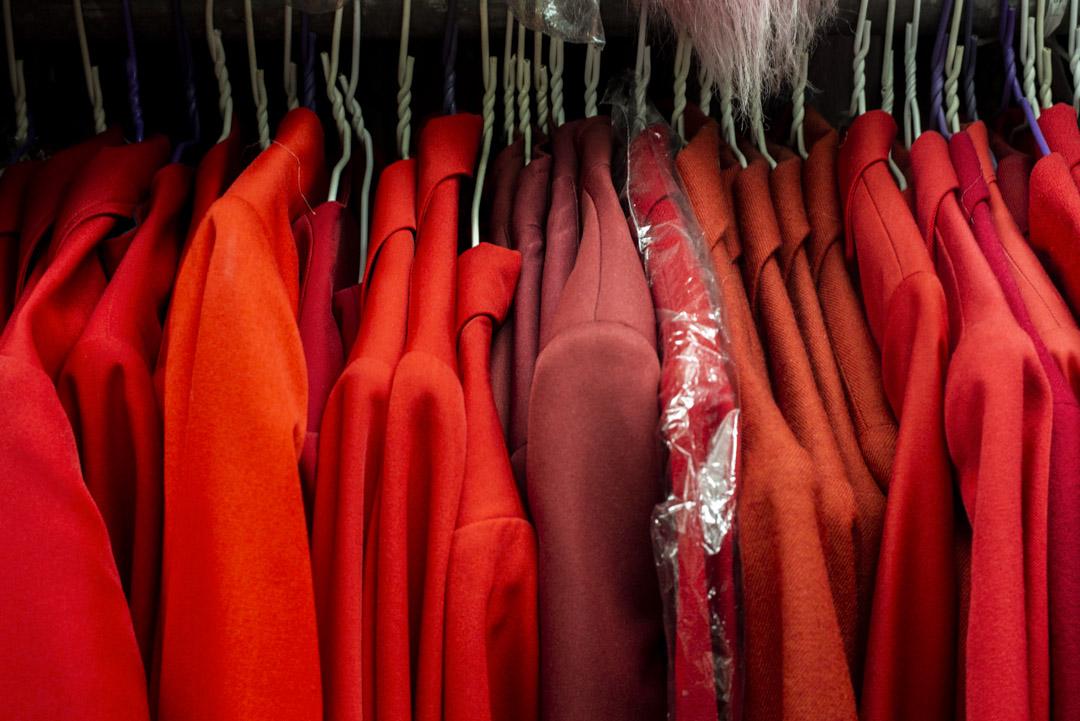 「衣常足」內的服裝企理有致。