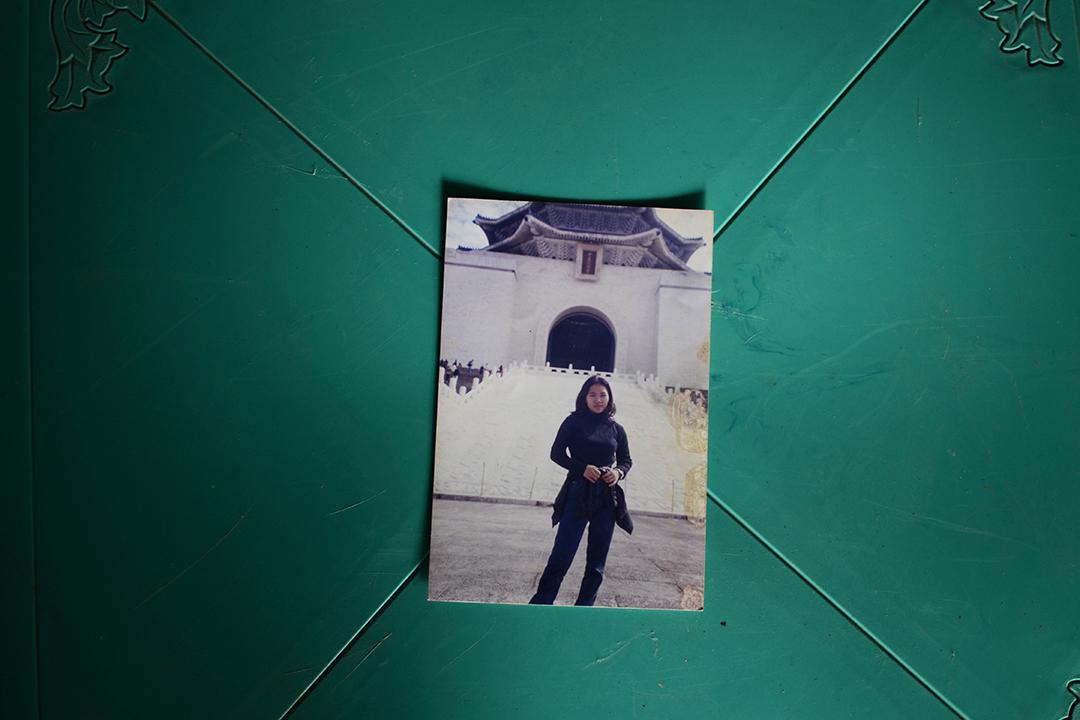 2013年9月21日印度尼西亞東爪哇省,一名前移工在台灣工作時的照片。