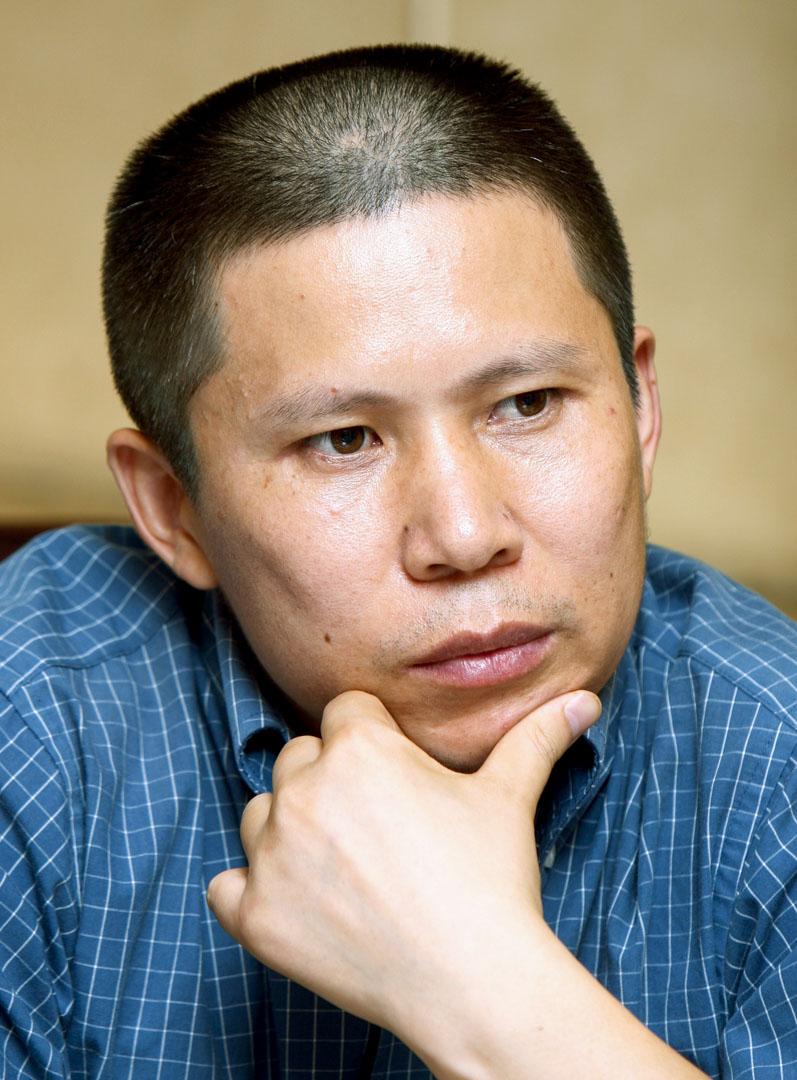 曾創辦公盟、推動中國民主法制建設,後發起新公民運動的許志永於2014年以「聚眾擾亂公共場所秩序罪」被判四年,2017刑滿出獄。2020年2月15日再次在廣州被捕。