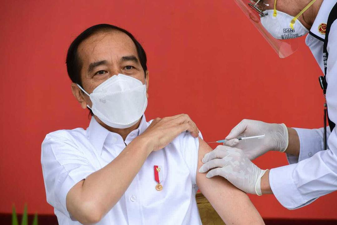 2021年1月13日印尼,印尼總統佐科·維多多接受了第一劑Sinovac疫苗。