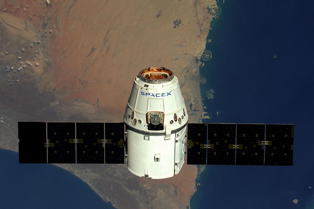 2016年4月10日,SpaceX 天龍號太空船。