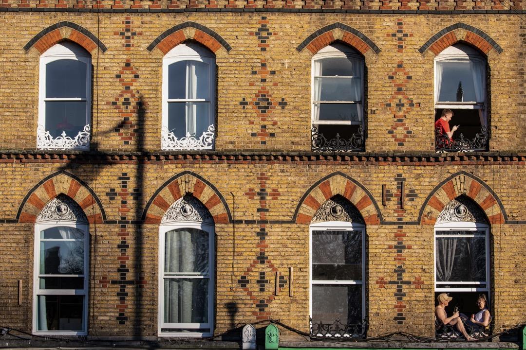 2020年4月4日,英國首都倫敦因新型冠狀病毒疫情蔓延,實施封城措施,市民需留在家中。