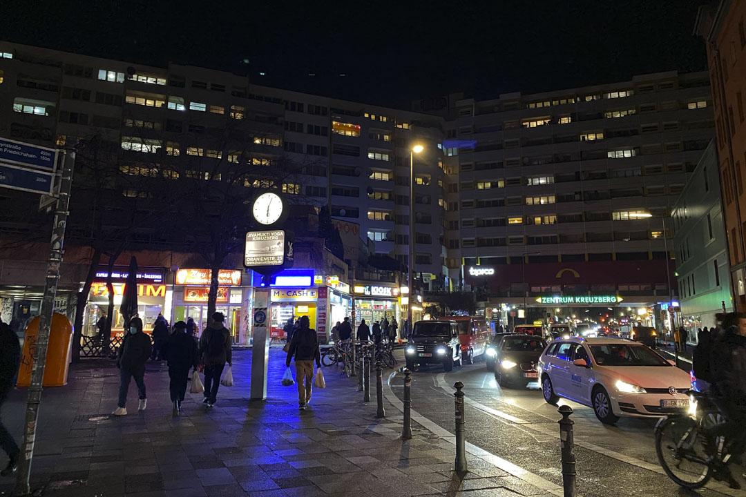 夜幕下的Kottbusser 。