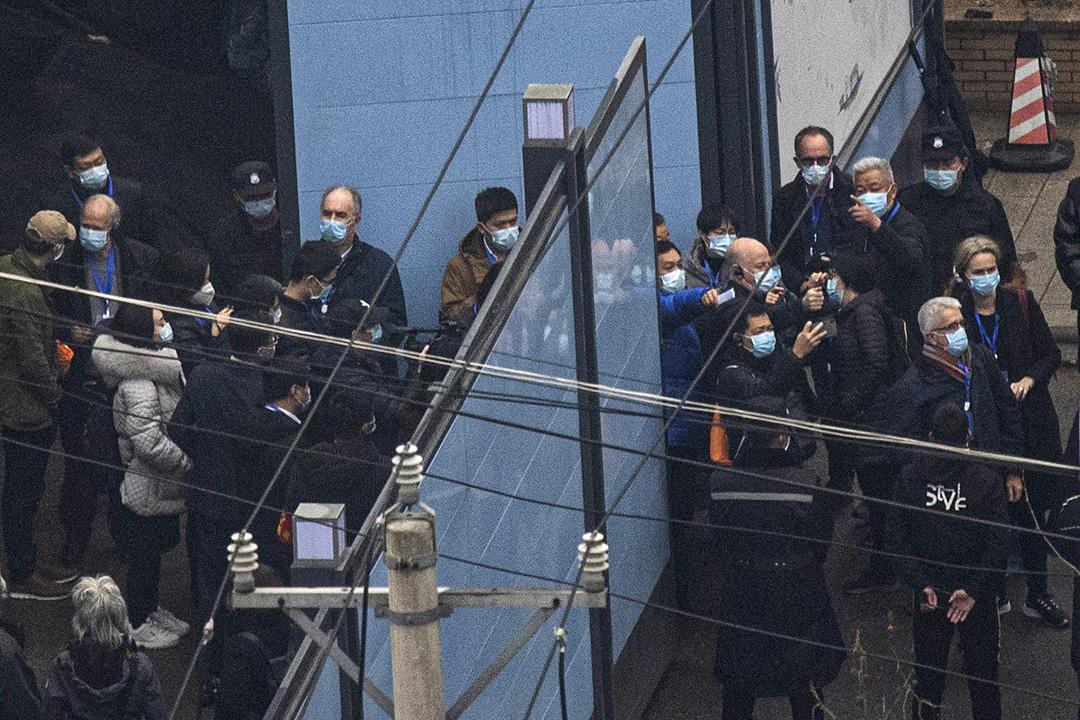 2021年1月31日武漢,世界衛生組織調查人員訪問華南海鮮市場。  圖:Getty Images