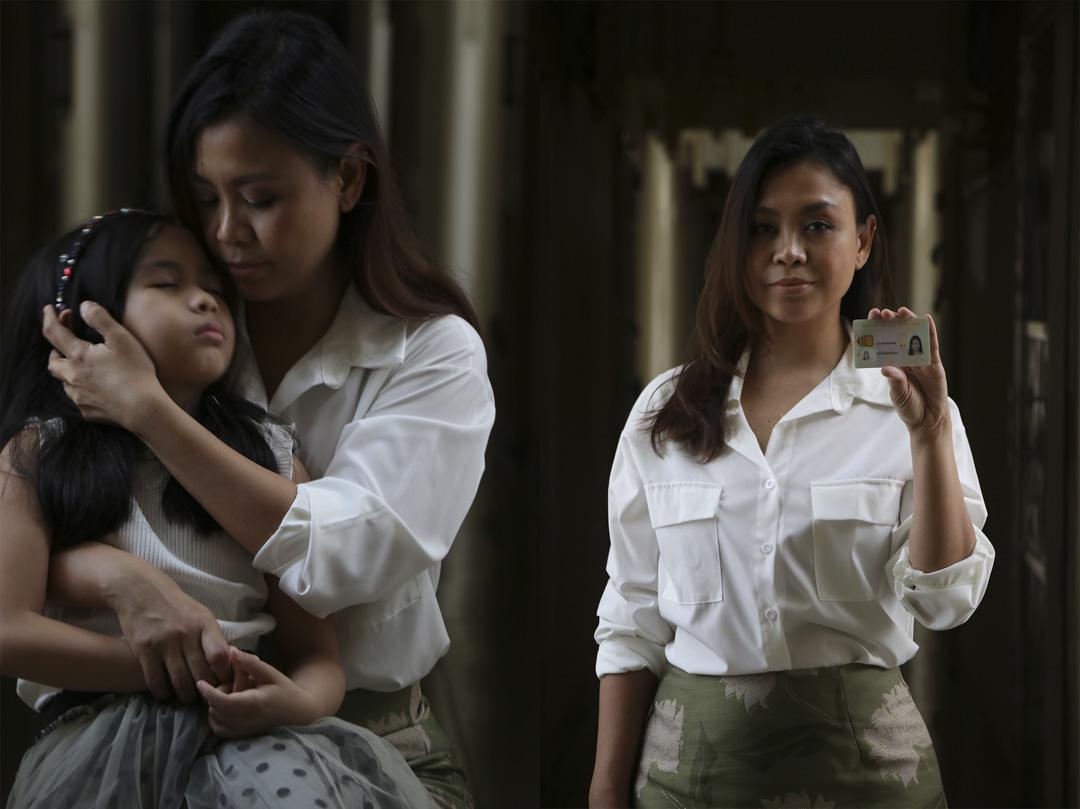 《兩名菲裔的故事》A Tale of Two Filipinos,他們是菲律賓人,我所知道最強韌的一種人。Khristel 在作品中拍攝了兩名菲律賓籍女子,一位是她的僱主、一位是她的菲傭朋友;前者可以在港與家人團聚,後者則與孩子長年分開。不過,在疫情面前,Khristel發現雙方都面對生活的困難:她僱主的朋友放下了歌手身分,轉職為餐廳侍應和外賣員養家。