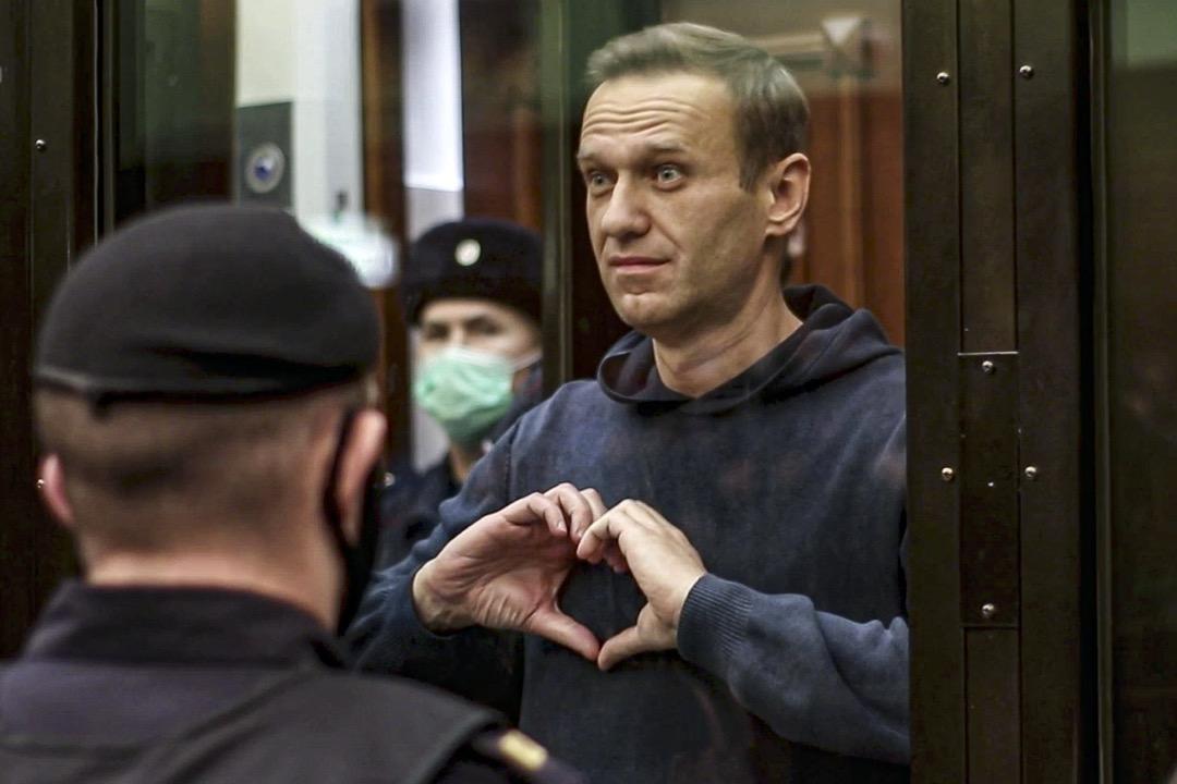 2021年2月2日,俄羅斯莫斯科法院裁定,俄羅斯反對派領袖納瓦爾尼因為「違反緩刑條件」,被判處三年半徒刑。