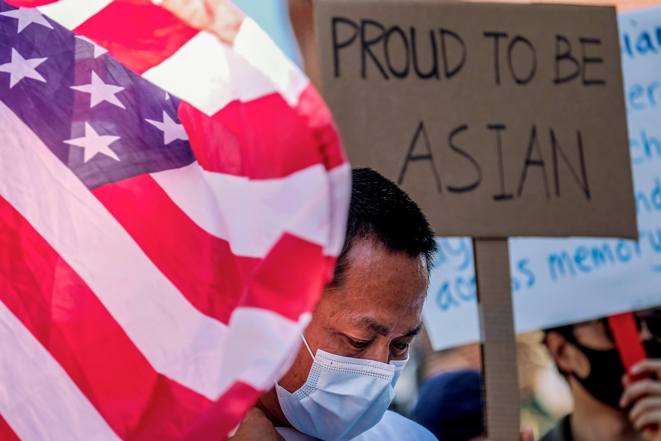 2021年3月27日,美國加州洛杉磯市中心有集會抗議對亞裔人的仇視。