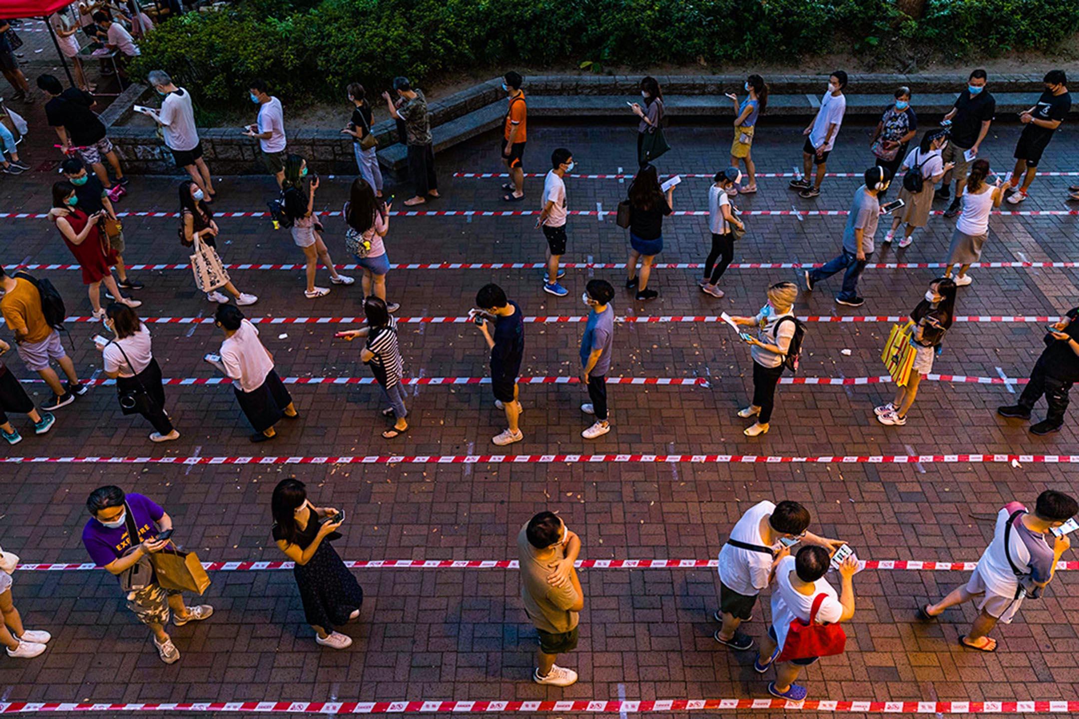 2020年7月11日大埔,民主派就2020年立法會選舉舉行初選,投票人數達60萬,香港多區出現排隊投票的景況。 攝:陳焯煇/端傳媒