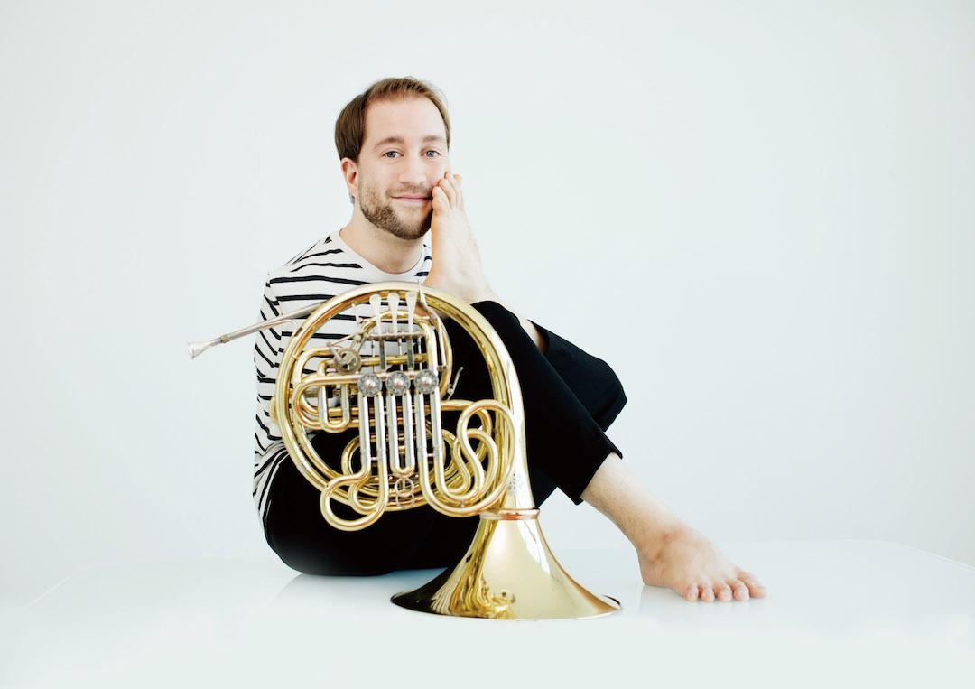 第三屆「無限亮」表演者之一,來自德國的菲力斯.克立澤,天生沒有雙臂,因此他做大多數事情都要依靠兩腳——包括演奏圓號。