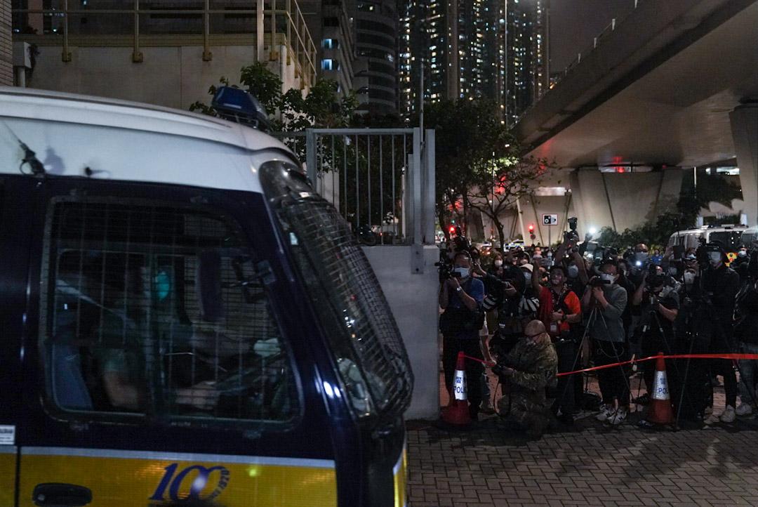 2021年3月2日,西九龍裁判法院,被告由囚車押回荔枝角收押所。