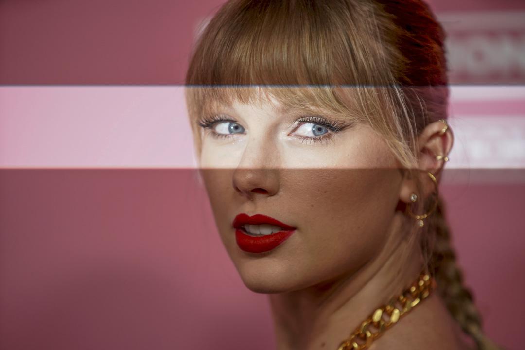 2019年12月12日,Taylor Swift 出席 Billboard Women in Music 活動。 攝:Mike Blake/Reuters/達志影像