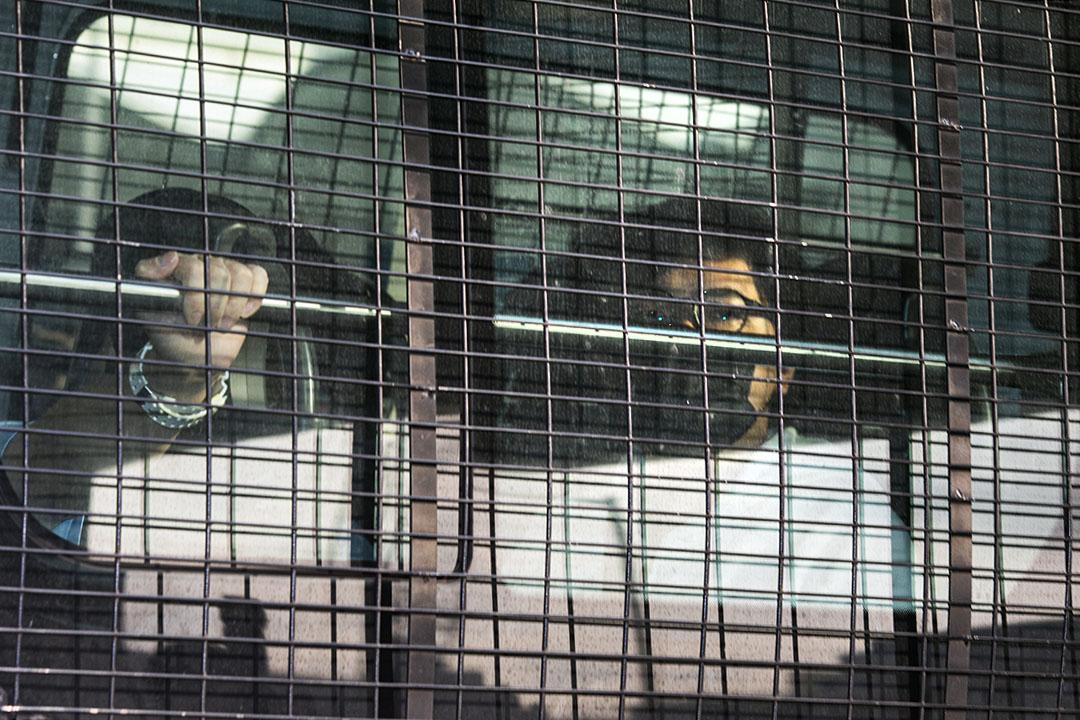 2021年3月1日,區議員張可森乘警車進入法院。