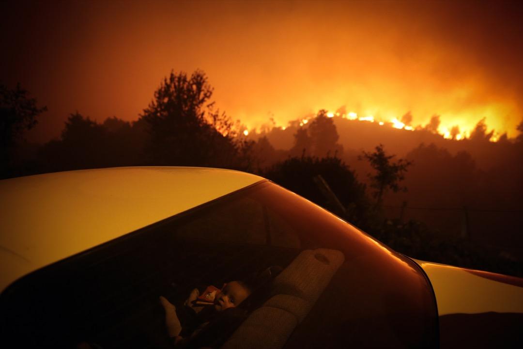 2020年9月7日,葡萄牙城鎮奧利韋拉迪弗拉迪什(Oliveira de Frades)發生大型山火,一名嬰兒在鄰近的一輛私家車裏。
