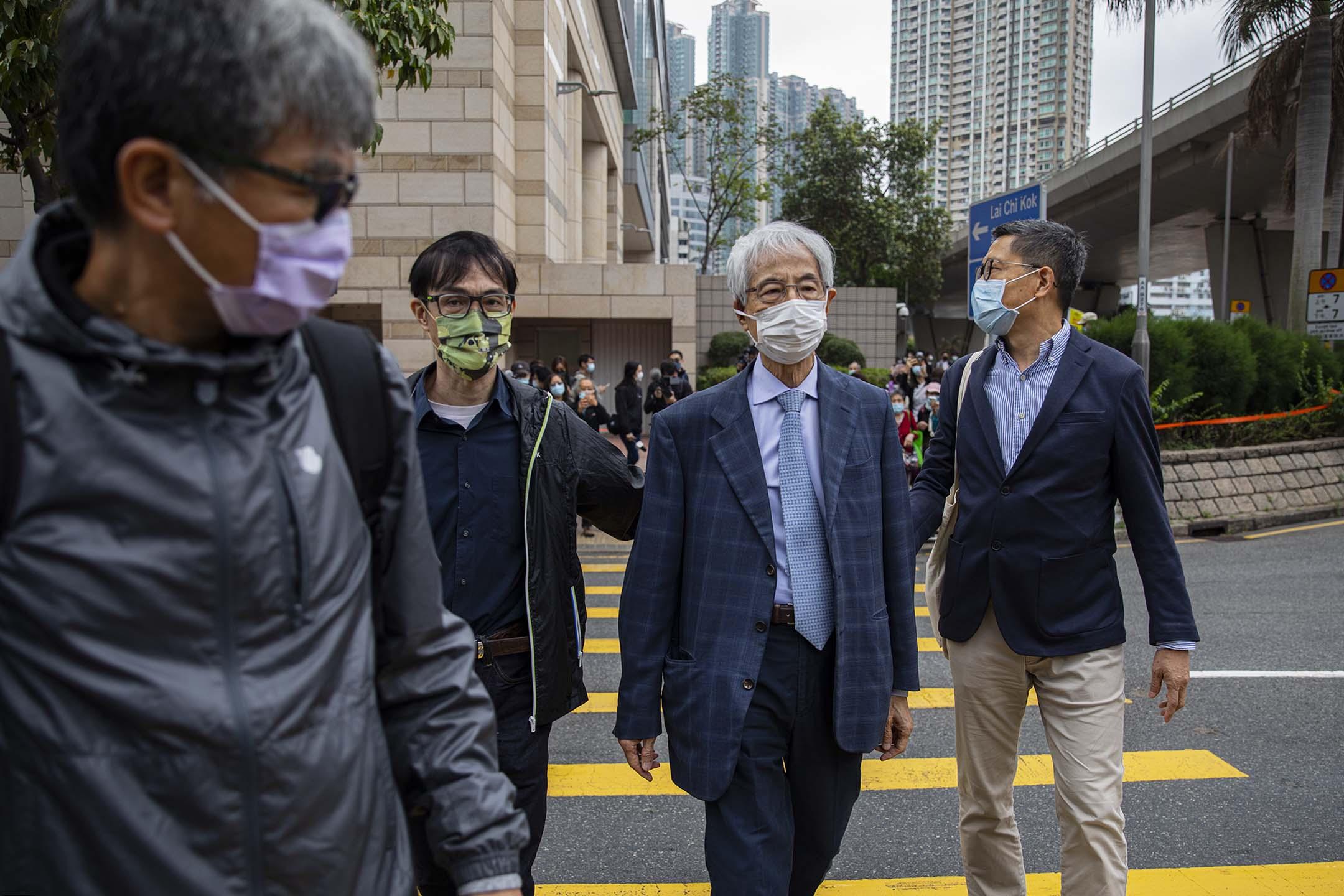 2021年4月16日西九龍裁判法院,李柱銘於午飯時間離開法院。