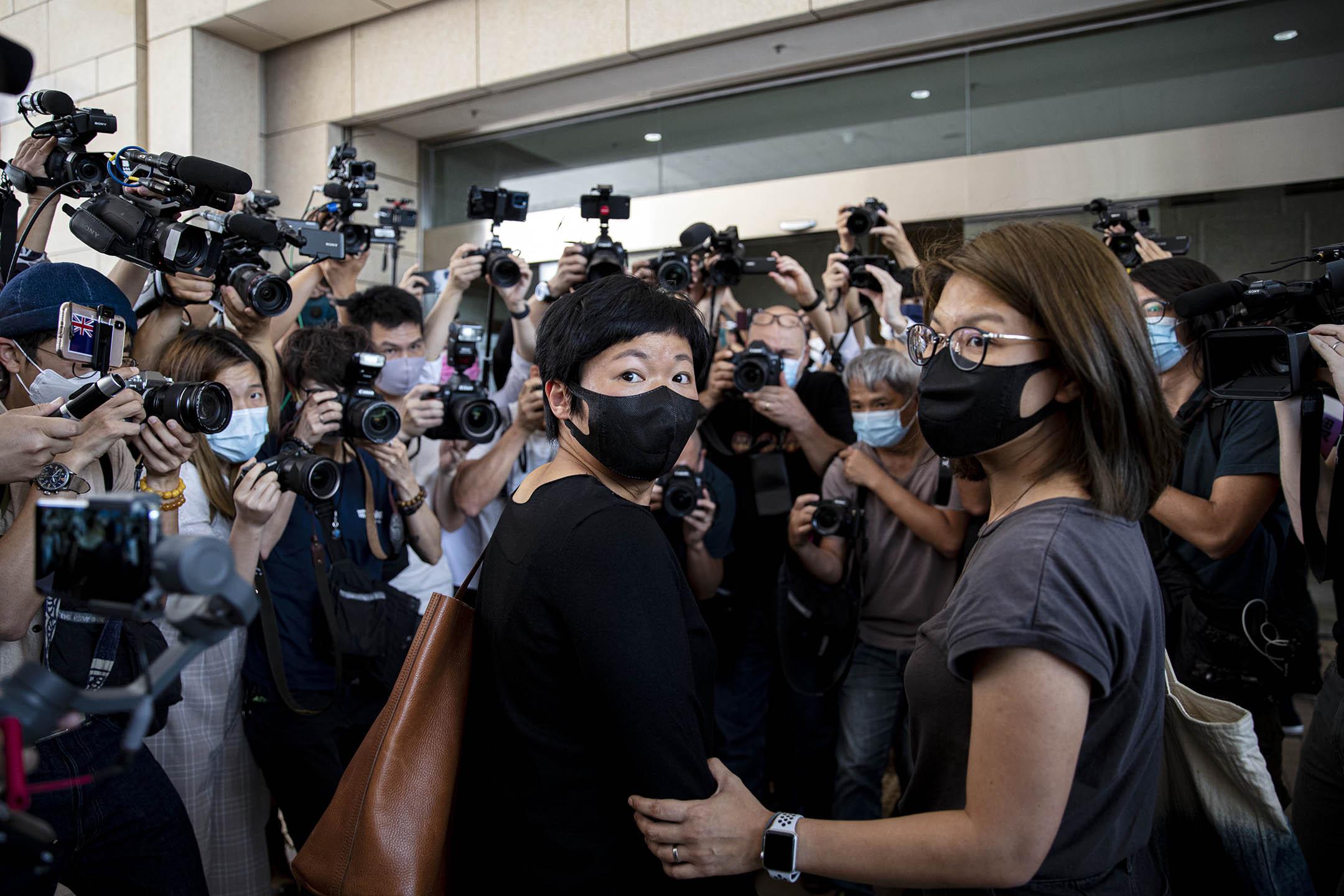 2021年4月22日西九龍裁判法院,蔡玉玲步入法庭應訊。