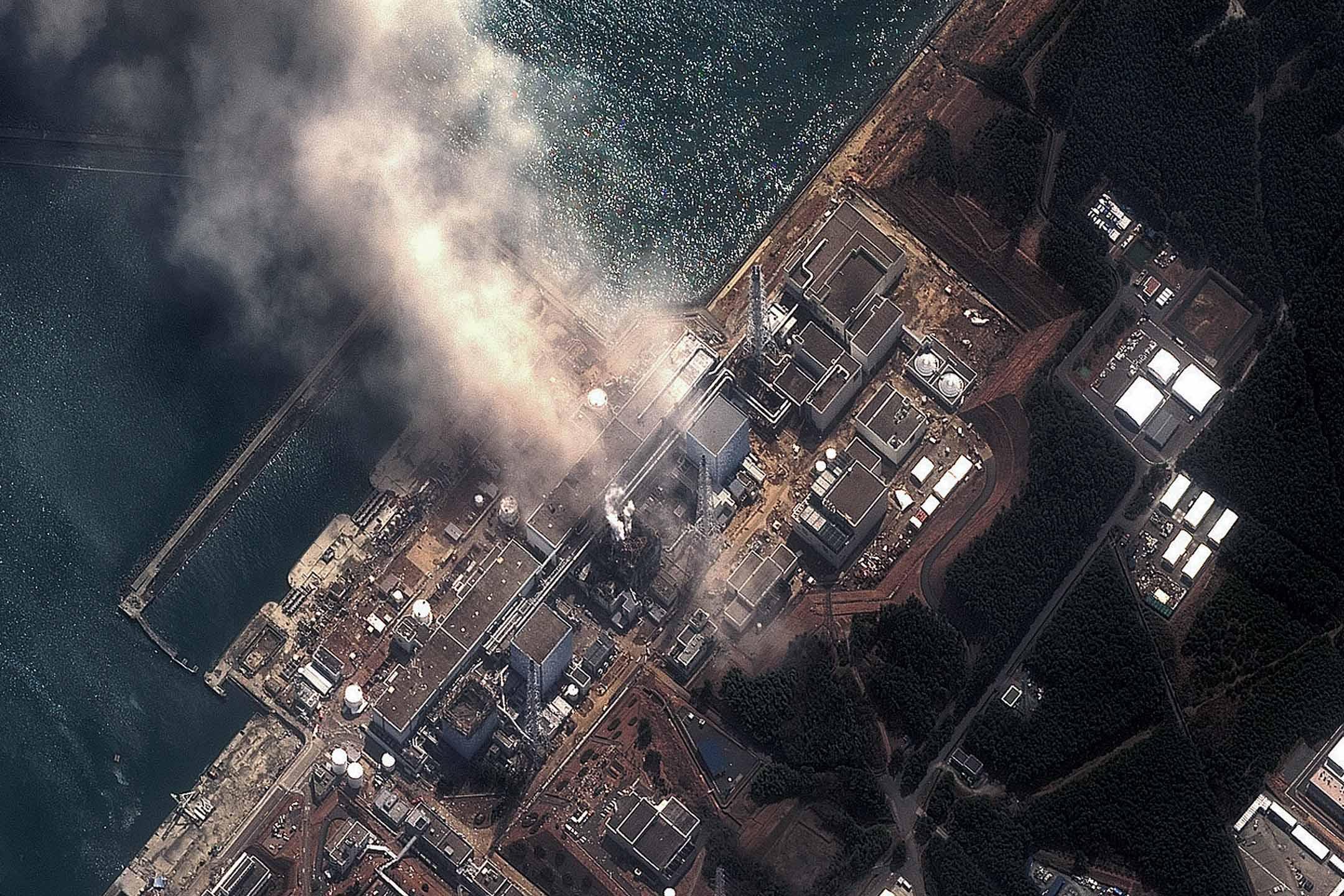 2011年3月14日,311大地震和海嘯後,福島第一核電廠。