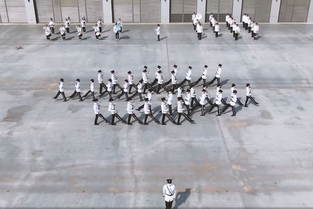 2021年4月15日,香港五大紀律部隊展示中式隊列訓練。 來自國防部發布錄像截圖