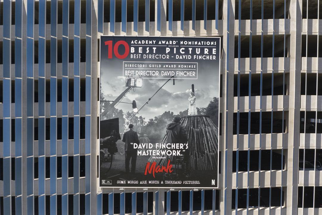 Netflix出品的《曼克》(Mank)入圍奧斯卡金像獎十項領跑,最終拿下最佳攝影獎和藝術指導獎。