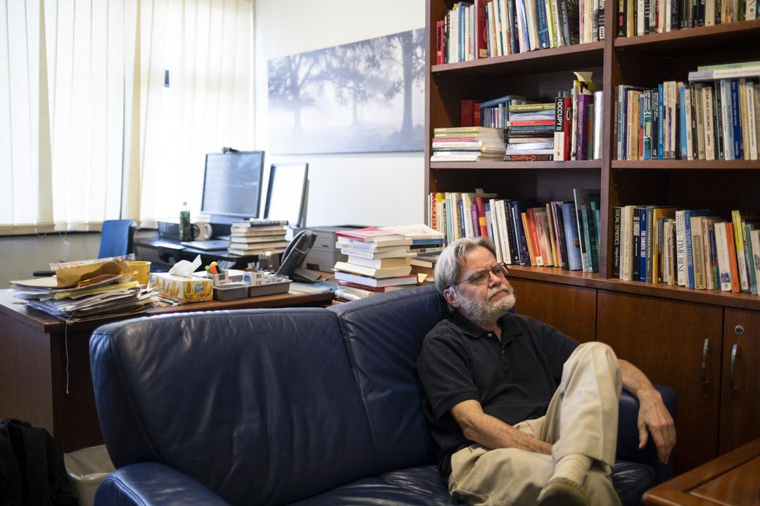 2019年12月,Gordon Mathews 在前中大人類學系辦公室受訪。