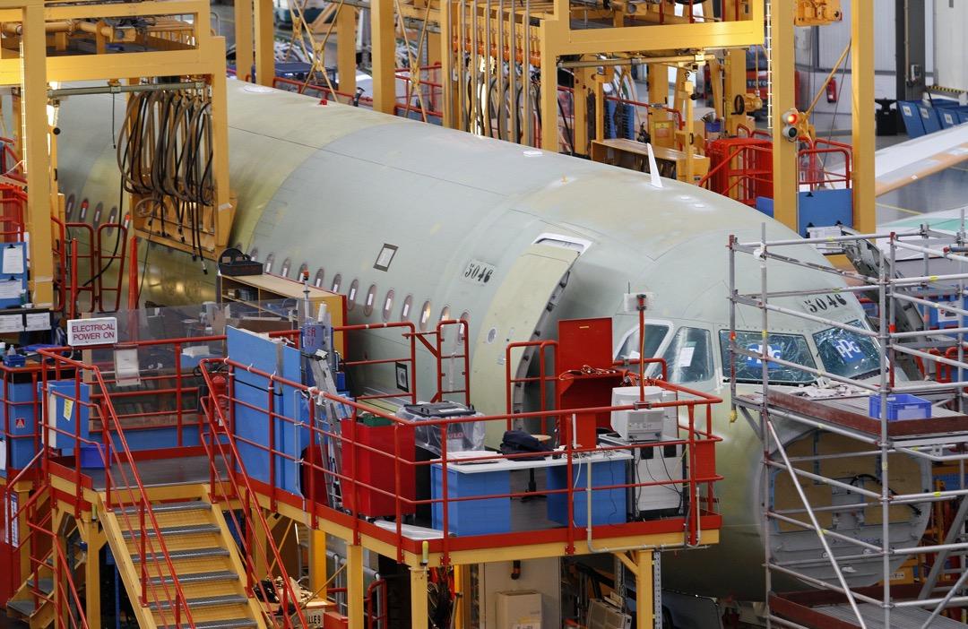 空中巴士A320型號客機在德國漢堡的廠房組裝,當中用上寶爾捷製造的機械產品。
