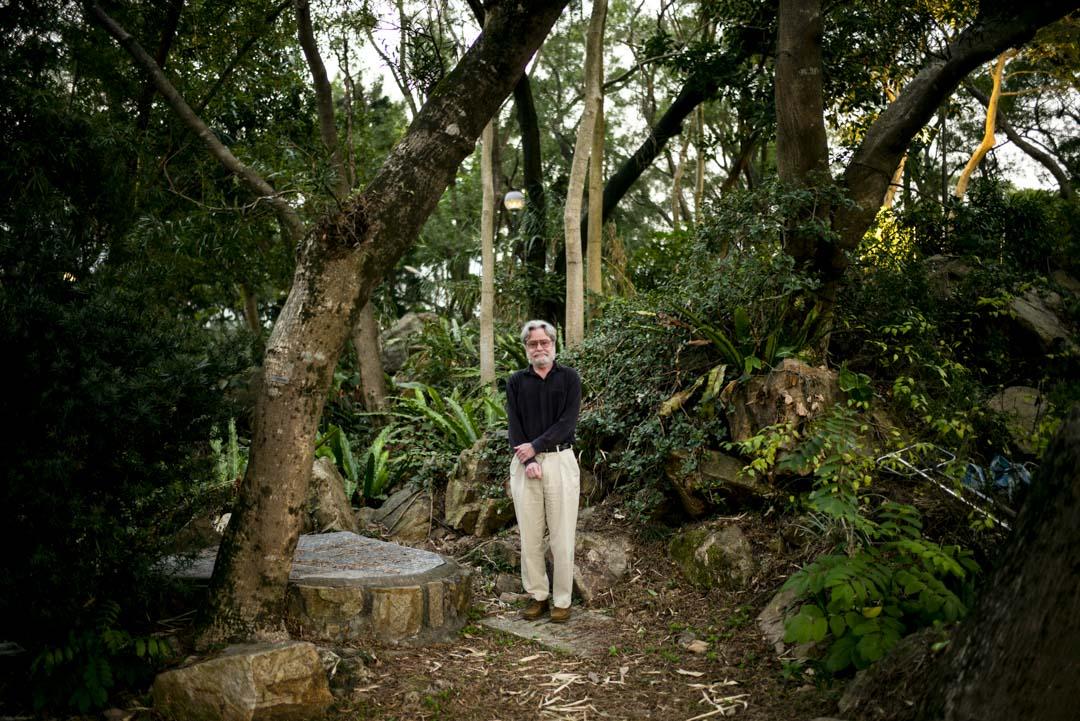 2021年2月,Gordon Mathews在中大的一個樹林中。