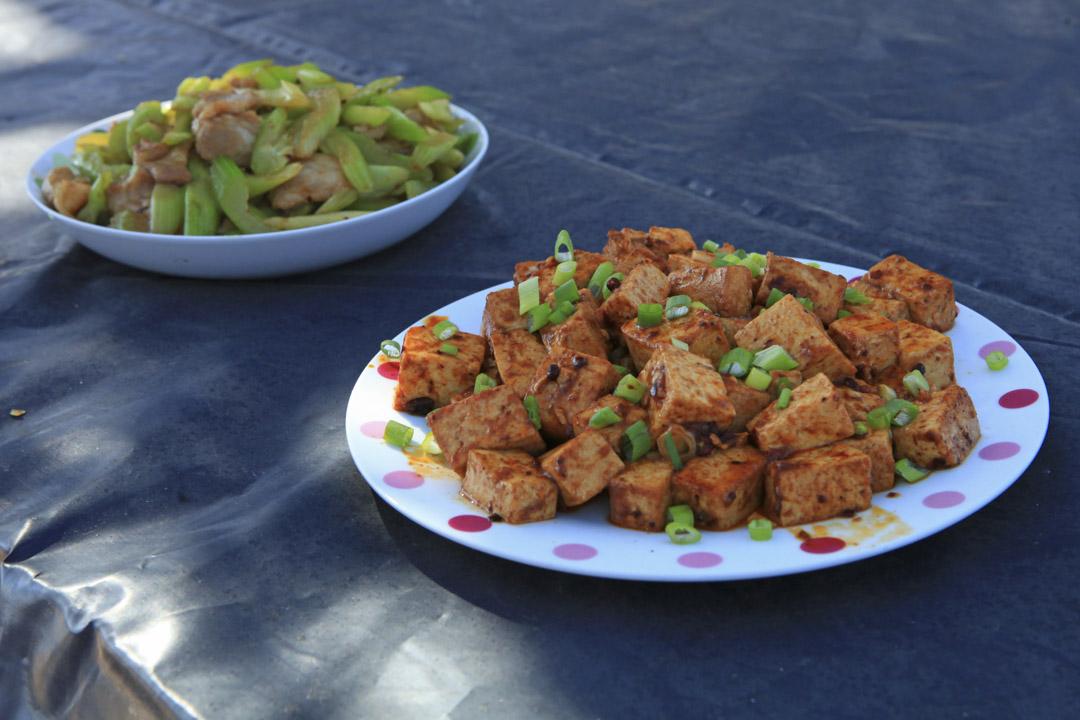 大佛農場有華人勞工做中國菜。