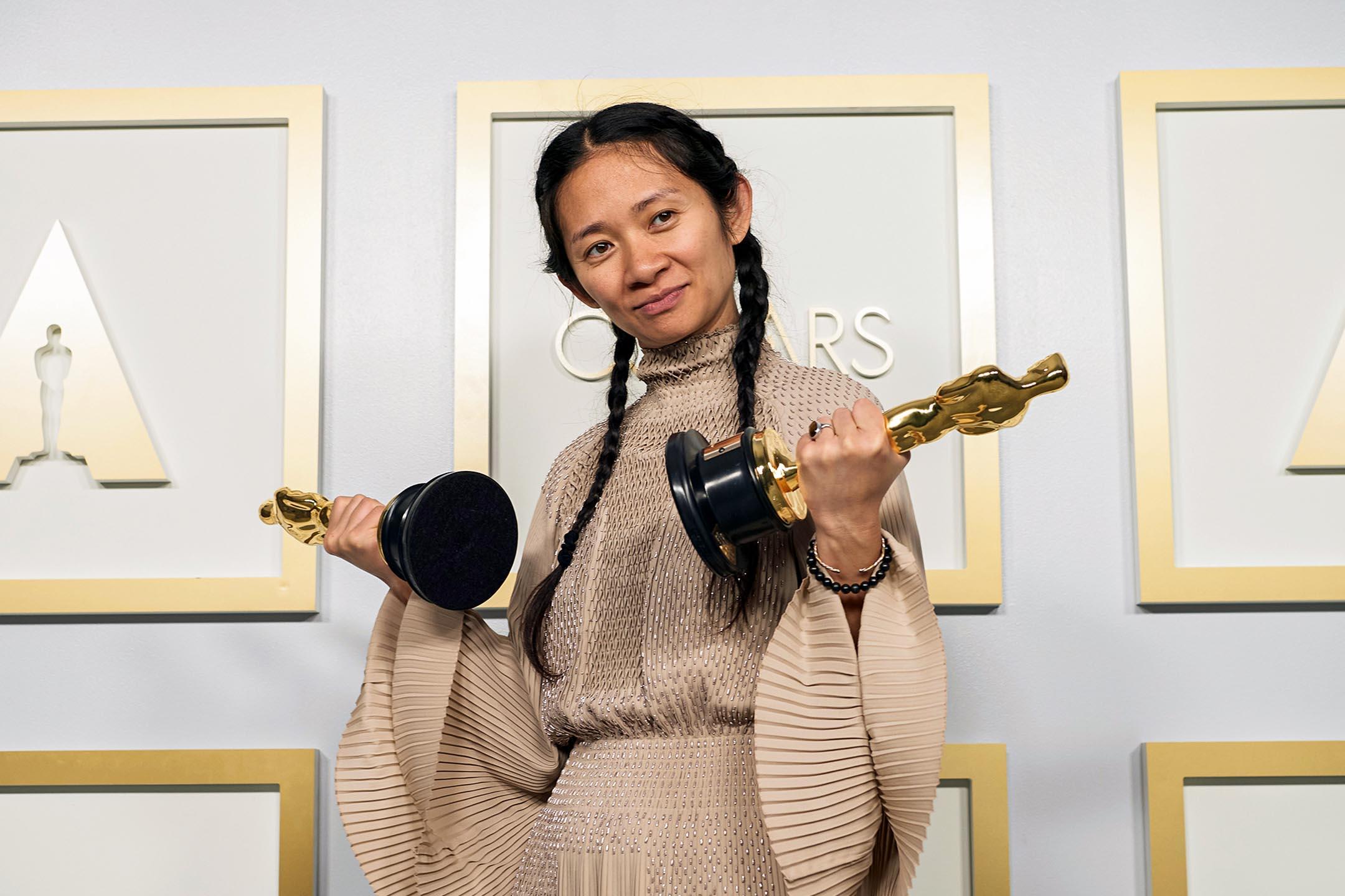 2021年4月25日洛杉磯,趙婷憑《游牧人生》獲奧斯卡最佳影片、最佳導演奬。 攝:Matt Petit/A.M.P.A.S. via Getty Images