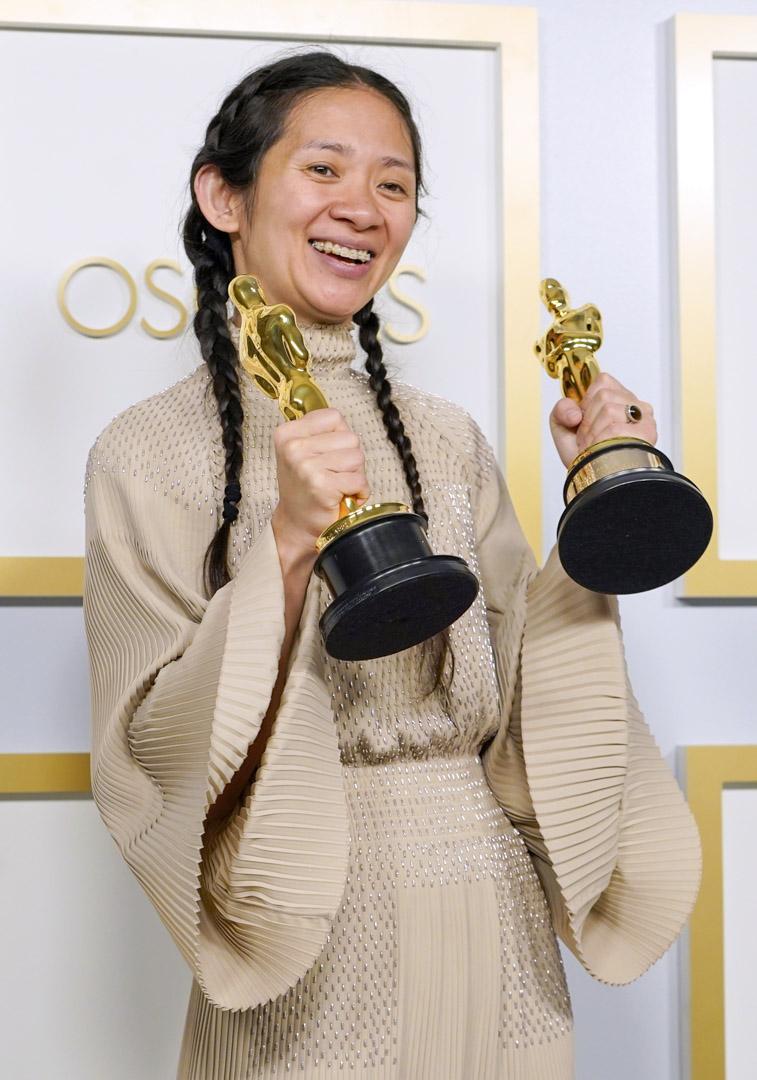 2021年4月25日,趙婷憑《游牧人生》(Nomadland)獲奧斯卡最佳影片、最佳導演奬。