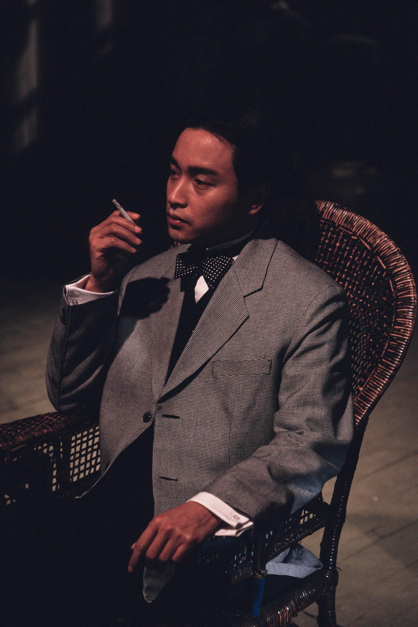 1995年10月1日中國上海,演員張國榮在上海電影製片廠拍攝。