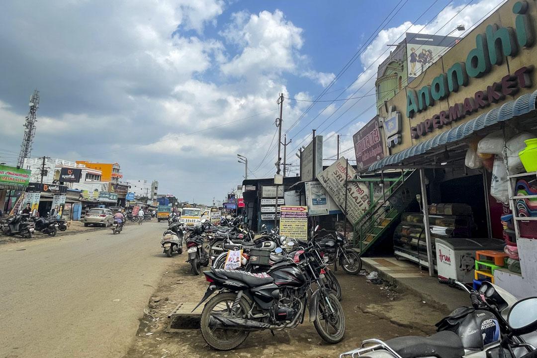 普拉卡蘭在桑谷村的超市。