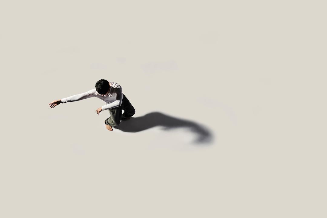《山水》的演出就是香港舞蹈團對身體純粹的美的探索,去尋找一個新的角度去欣賞身體、相信身體。