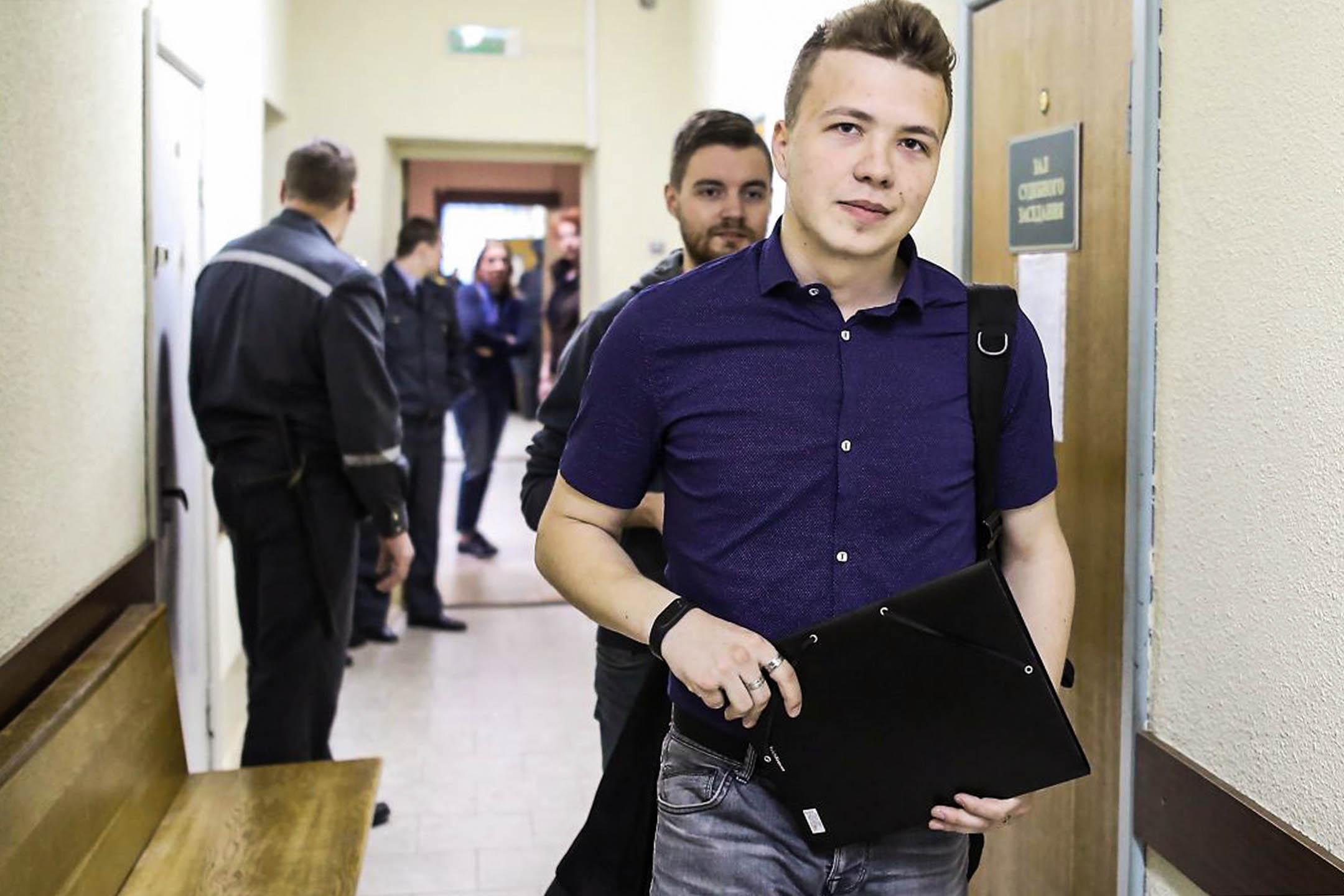 2017年4月10日,白羅斯明斯克,異見記者羅曼·普羅塔塞維奇(Roman Protasevich)參加法庭聽證會。 攝:Reuters/達志影像