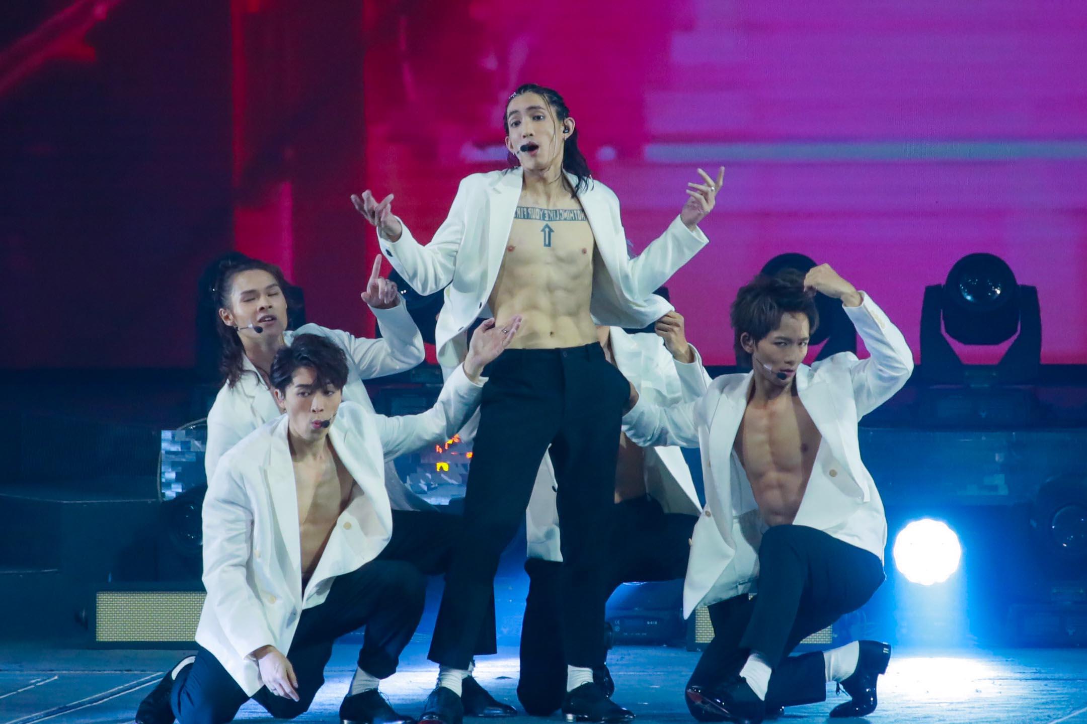 2021年5月11日香港,Mirror的成員在演唱會舞台上。 圖:VCG via Getty Images