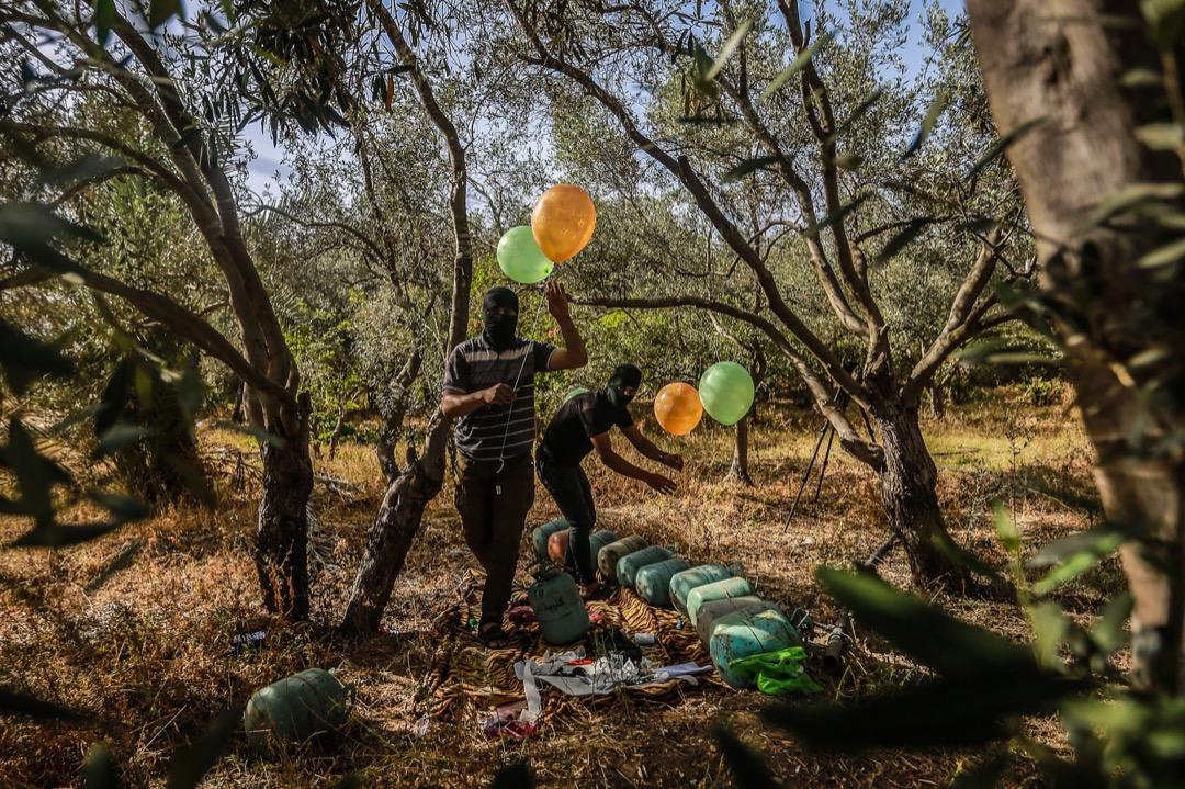2021年5月8日,數名巴勒斯坦伊斯蘭激進組織成員,將易燃氣體注滿氣球,再把燃點裝置綁上,預備把氣球放向以色列地區上空。