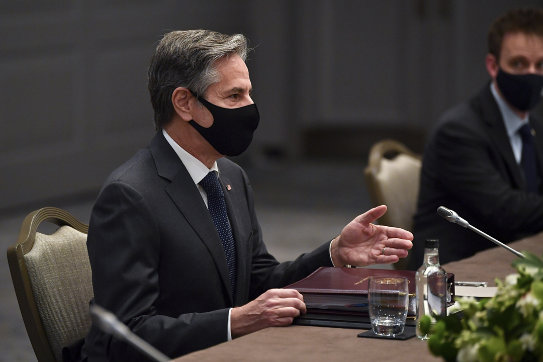 2021年5月3日,美國國務卿布林肯(Antony Blinken)在英國倫敦出席七國集團外長會議,期間與日本外務大臣茂木敏充舉行雙邊外長會談。 攝:Ben Stansall / Reuters