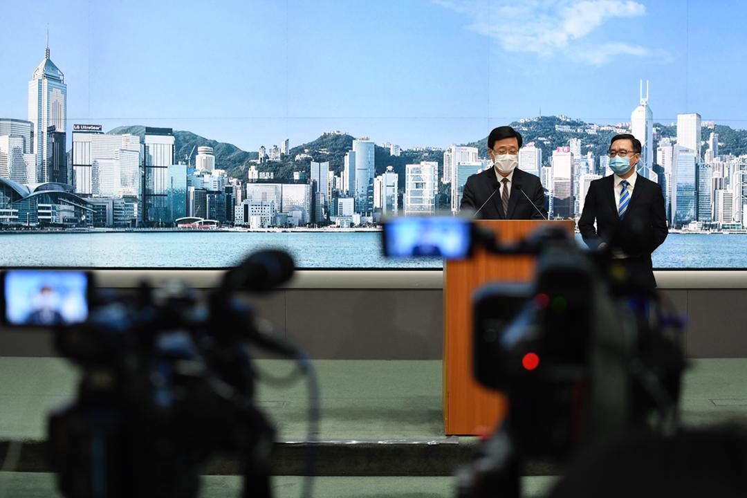 2021年5月17日,香港保安局局長李家超出席記者會,宣佈引用《港區國安法》凍結黎智英的財產。 攝:Vernon Yuen / NurPhoto via Getty Images