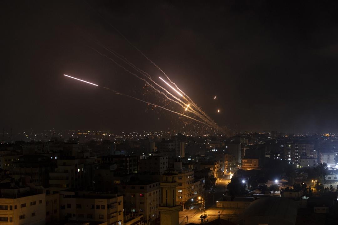 2021年5月12日,有火箭炮從加沙射向以色列。