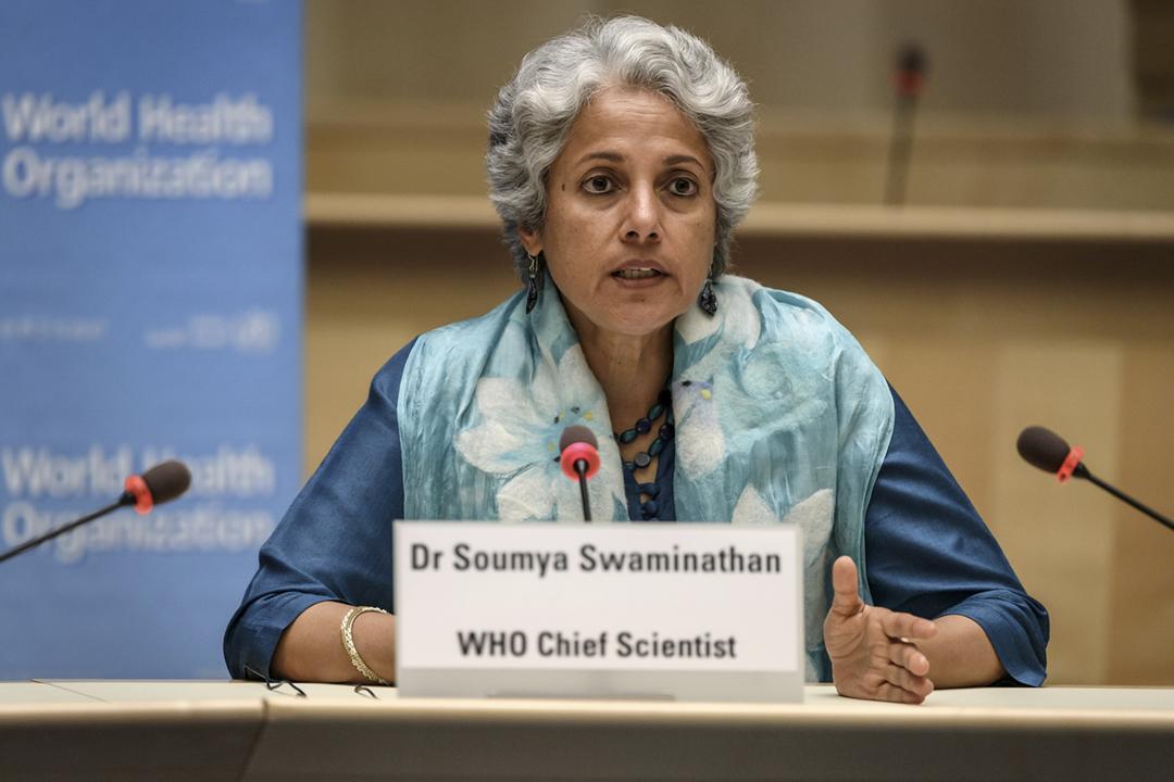 2020年7月3日在世界衛生組織位於瑞士日內瓦的總部,世衛首席科學家 Soumya Swaminathan 出席記者會。 攝:Fabrice Coffrini / Pool via Reuters
