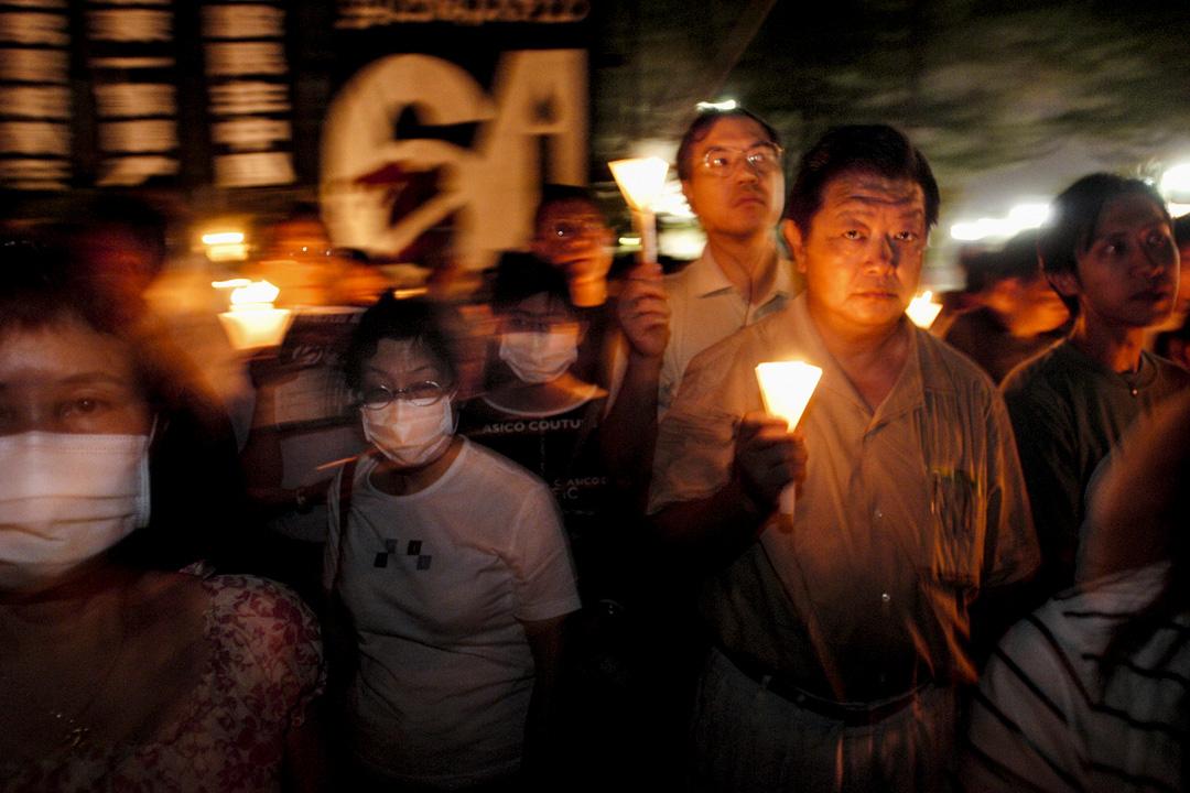2003年6月4日,支聯會將維園燭光晚會的主題定為「毋忘六四,反對廿三」,大會宣佈共五萬人出席。