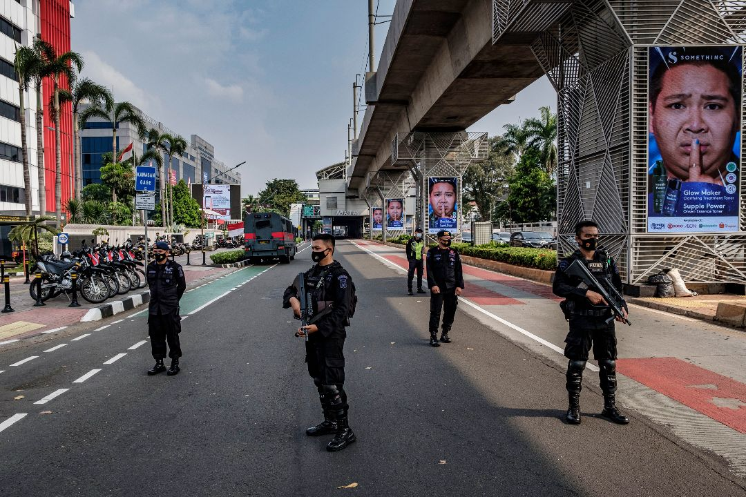 2021年4月24日,印尼雅加達,東盟領導人緬甸問題特別會議場外安保。 攝:Ed Wray/Getty Images