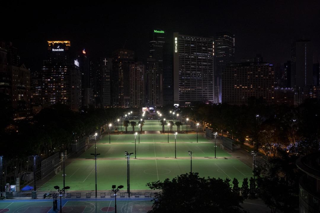 2021年6月4日,香港維多利亞公園。支聯會早前申請在維園舉辦六四悼念集會遭警方反對,警方今天調動7000警力在全港高調戒備。