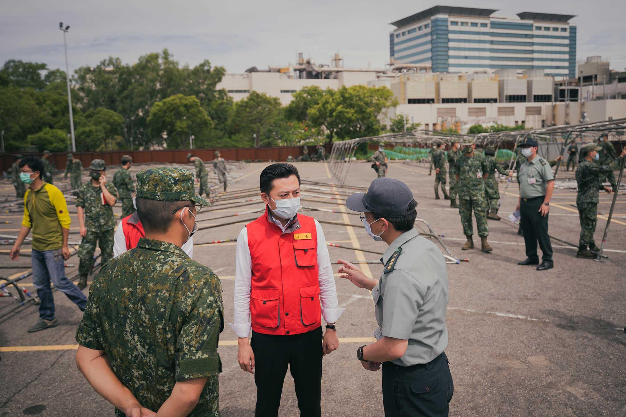 2021年6月3日,林智堅於國軍竹科篩檢站。